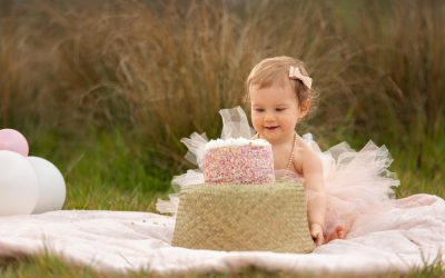 What is an Outdoor Cake Smash?
